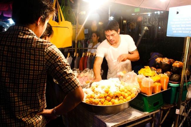 A bread puffs vendor at Chiang Mai Saturday Night Market